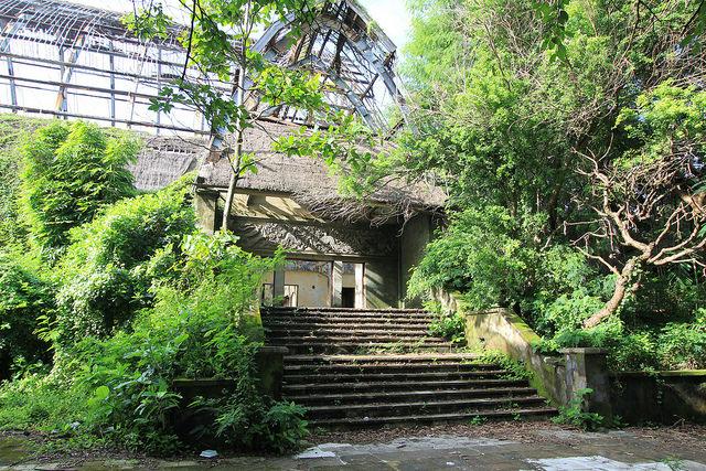 7 cтранных заброшенных мест на Бали